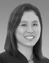 Foo Su Mei, Associate Director